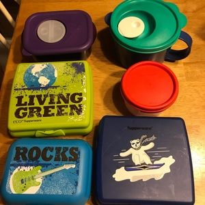 ASSORTED TUPPERWARE LUNCH CONTAINERS.